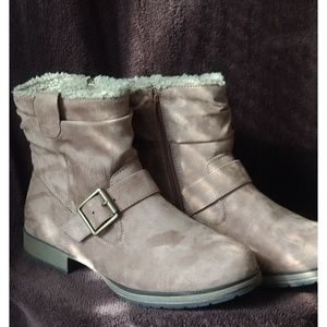 Just Fab Kaira Brown Suede Booties Size 8